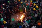 Bonfires light up Singhu border life